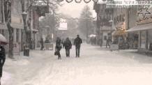【動画素材】雪降る街並みの映像